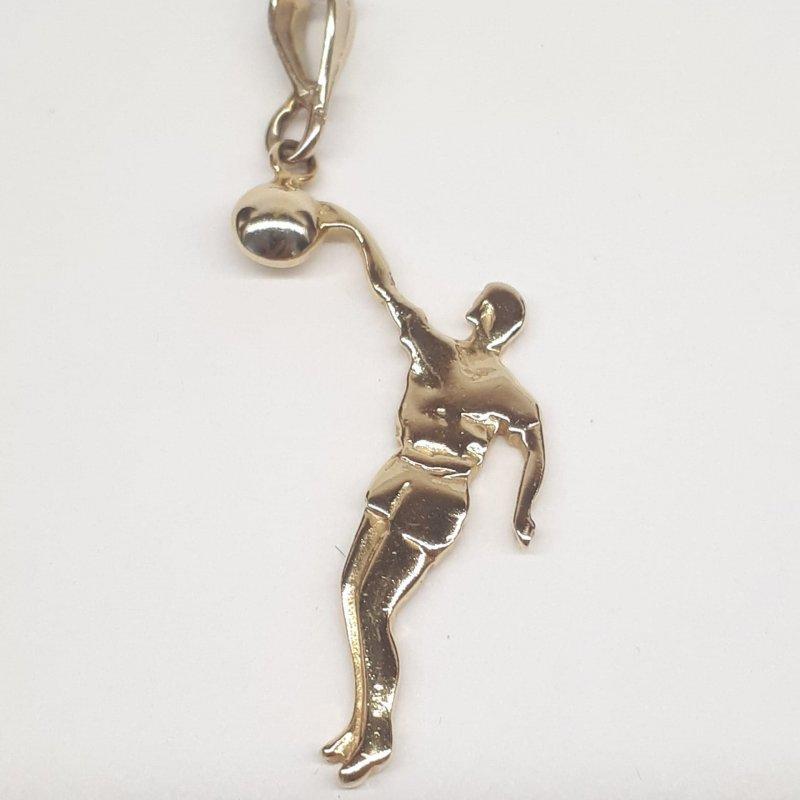 Złota zawieszka sportowiec